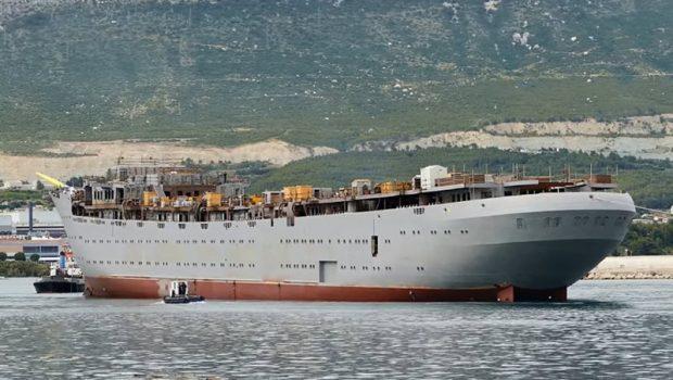 Крупнейший в мире парусник спущен на воду в Хорватии