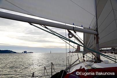 Sailing in Lisbon ©Eugenia Bakunova MainSail.Ru