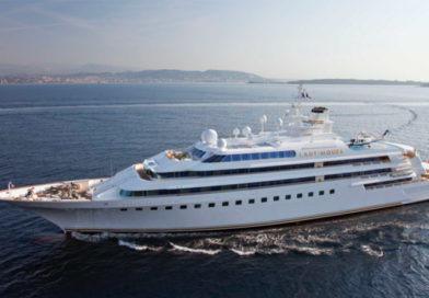 Lady Moura Yacht